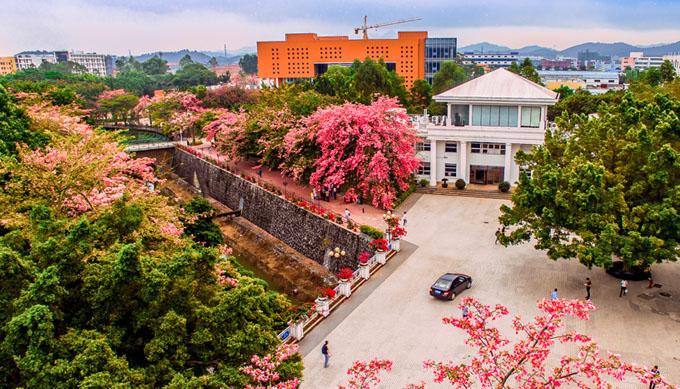 广州高铁学校